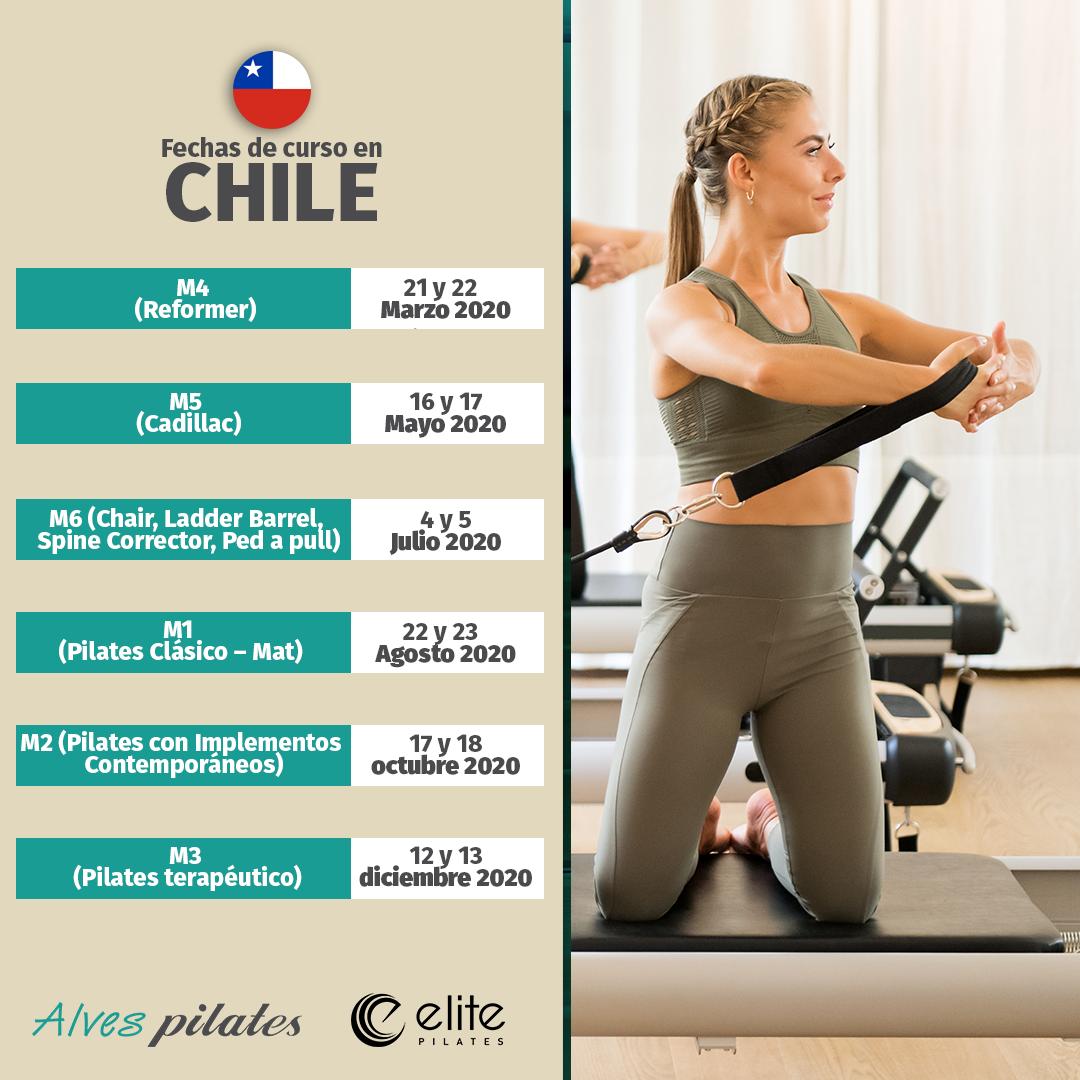 Foto de mujer sonreindo realizando ejercicio de pilates en reformer y fechas de curso de pilates en Santiago de Chile año 2020